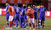 图文:[中超]阿尔滨0-0恒大 双方发生争执