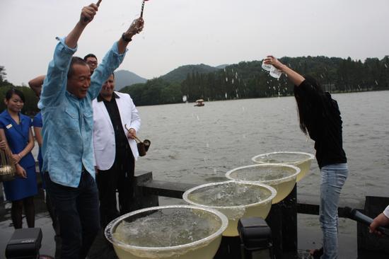谭盾今西湖相关《杭州水围棋》(图)摇滚上演图图片