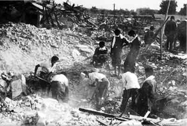唐山地震后的一片废墟.