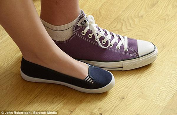 和同龄女孩一样,英国19岁的女孩艾玛 卡希尔(emma cahill)喜欢穿高跟