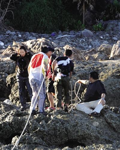 8月19日,日本右翼分子就曾登上钓鱼岛。资料图片