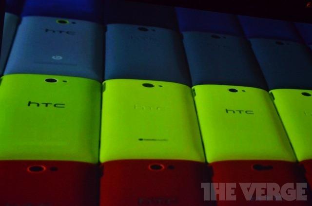 HTC在美发布两款WP8手机 11月在50多个国家上市
