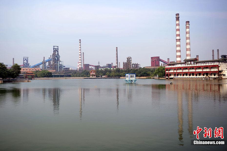 """北京首钢老厂""""变身""""工业旅游景点(图)"""