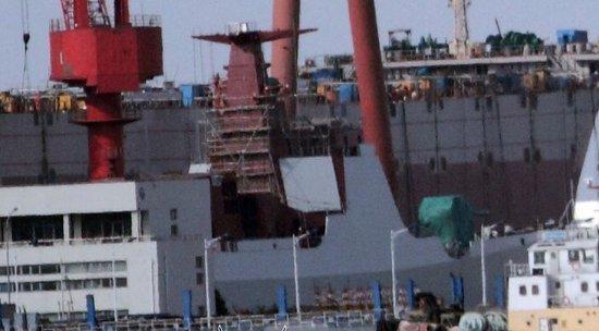 资料图:网上流传的在建中的052D驱逐舰。
