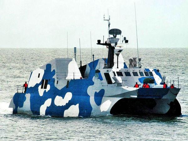 资料图:022型导弹快艇北约称为侯北级。