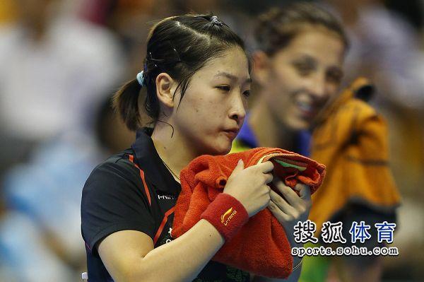 女乒世界杯�Q���r �⒃�雯擦汗瞬�g�D片 37937 600x399