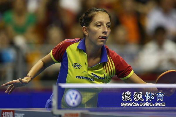 图文:女乒世界杯决赛赛况 萨马拉吐舌头
