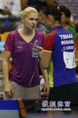图文:女乒世界杯决赛赛况 萨马拉接受指导