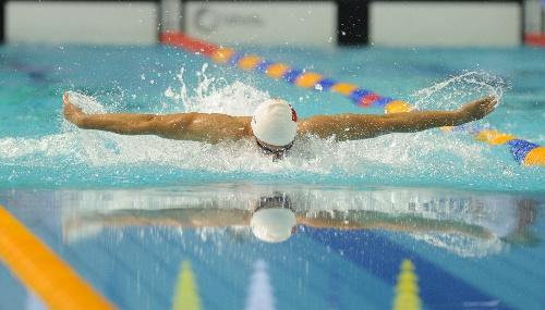 图文:2012游泳全国锦标赛 郝运在比赛