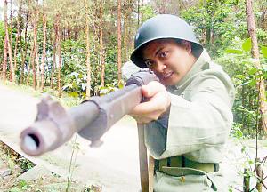 李成君参加电视剧《川东游击队》拍摄时的剧照