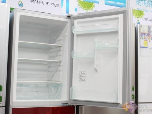007抽屉有独立的送风口,可以根据您的不同需要单独调整进风量,控制抽屉内的温度。-7℃肉类无需解冻及时切,保持营养不流失,新鲜又可口。