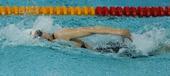 图文:全国游泳锦标赛 郑艺霏在比赛中