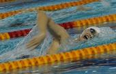 图文:全国游泳锦标赛赛况 孙杨在比赛中滑行