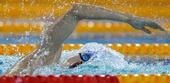 图文:全国游泳锦标赛赛况 裘樱华在比赛中