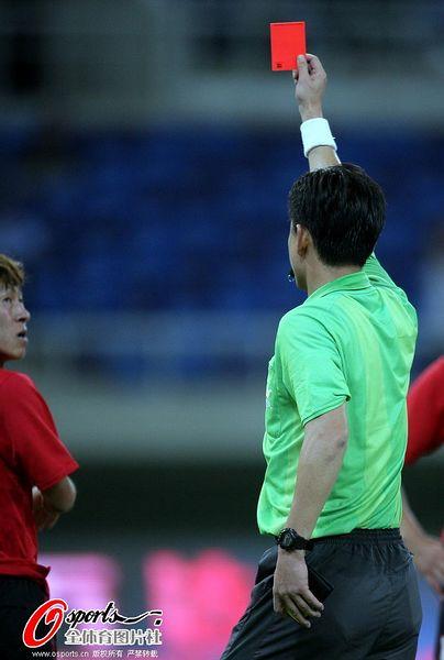 中超图:泰达1-0宏运 辽足球员染红
