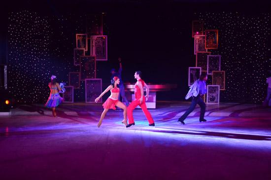 精彩的花样滑冰表演