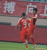 中超图:青岛1-0胜长春 姚江山庆祝