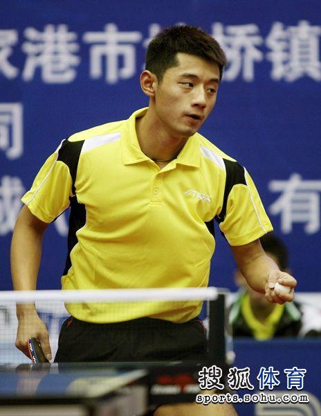 图文:乒乓球全锦赛首日赛况 张继科踌躇满志