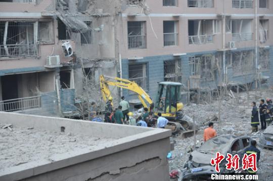 河北保定住宅楼爆炸27人伤 目击者:像炸弹爆炸