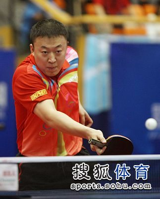 图文:2012乒乓球全锦赛赛况 反手推挡