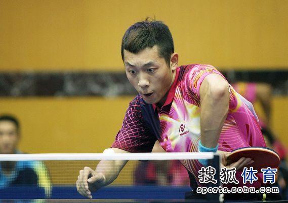 图文:2012乒乓球全锦赛赛况 怒目圆睁
