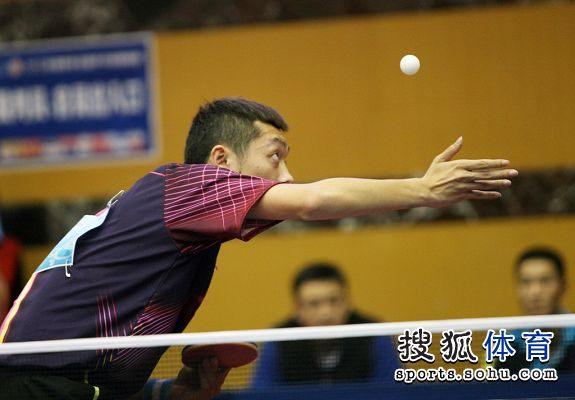 图文:2012乒乓球全锦赛赛况 猿臂轻舒