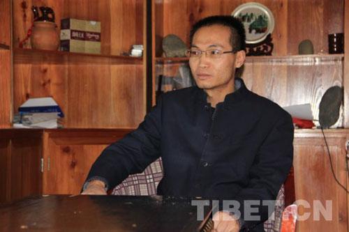 西藏奇正藏药股份有限公司生产总监朱荣祖 摄影:秋铃