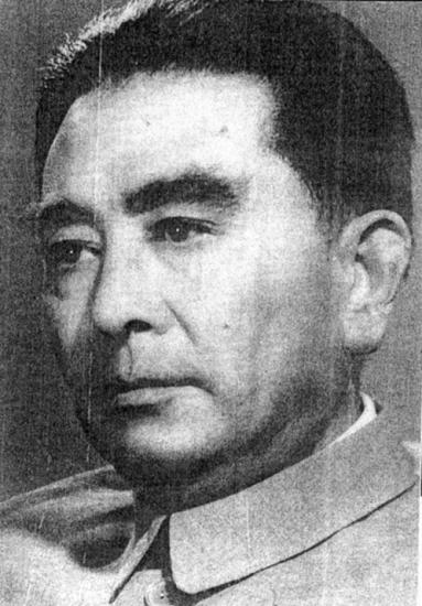 赵丹在《大河奔流》中饰演周总理的试妆照。