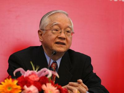 著名经济学家吴敬琏(资料图)