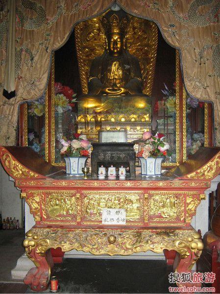 中方广寺主殿大势至菩萨佛像