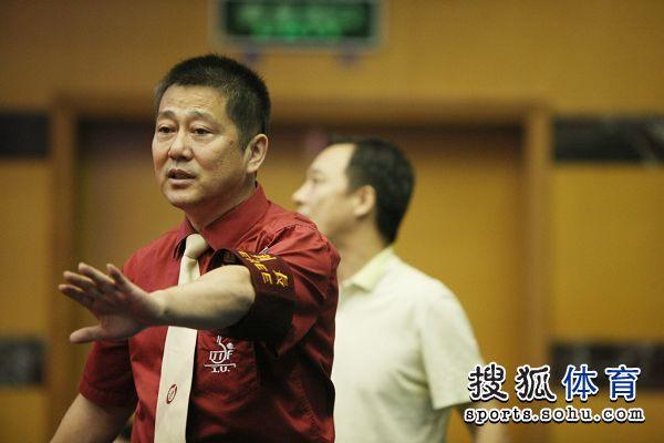 图文:全锦赛马琳遭遇争议判罚 裁判长做出判断