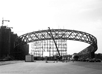 正在建的伊川北大门。