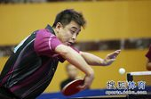 图文:乒乓球全锦赛混双比赛 王皓直拍横打