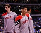 图文:[NBA季前赛]火箭VS小牛 林书豪失落