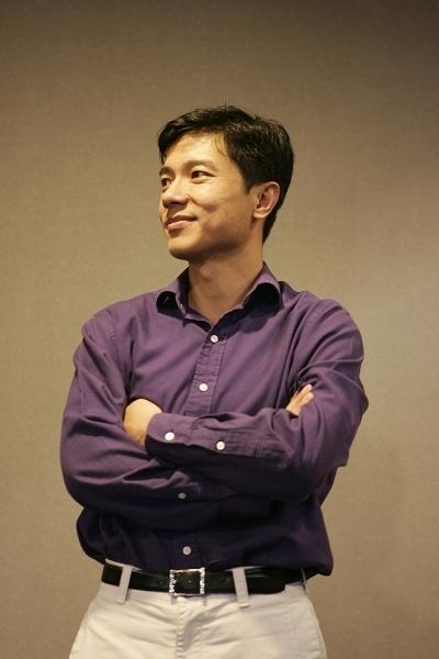 正是李彦宏在美国留学时的第一份实习工作改变了他的人生轨迹。