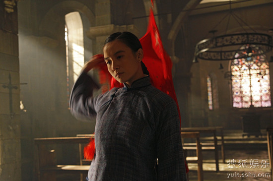 宋佳《圣天门口》演绎个性红女郎