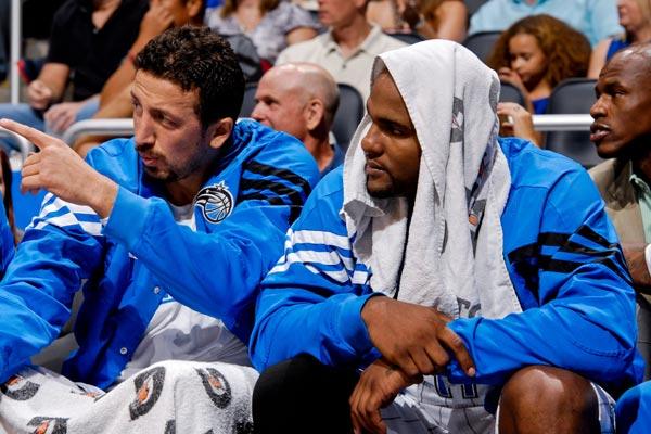 图文:[NBA季前赛]步行者负魔术 特科格鲁与大宝贝