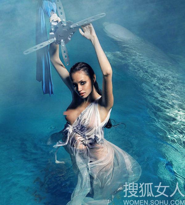 超模水中全裸酮体 搜狐女人