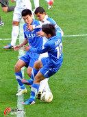 中超图:阿尔滨0-0申花 两人夹击莫雷诺