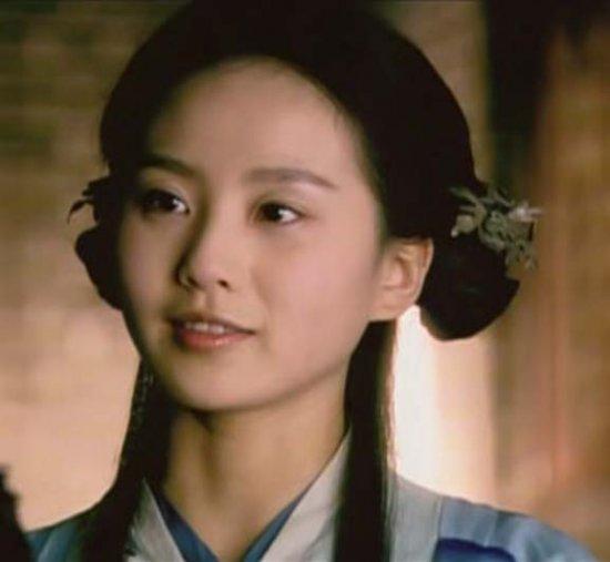 诗诗-07年播出的《少年杨家将》,刘诗诗在里面饰演罗氏女(四娘)。