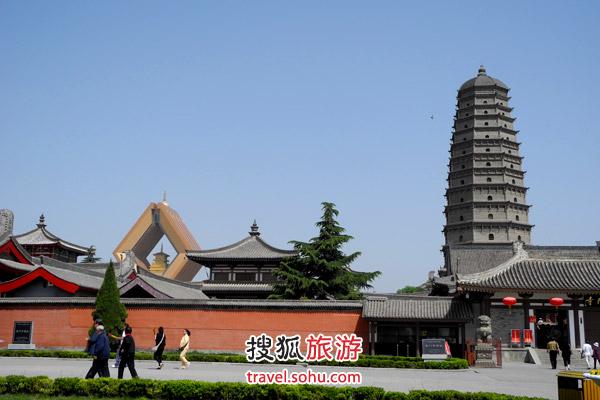 真正的法门寺与景区一墙之隔,游客却少了很多 图片来源:搜狐旅游