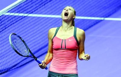 本报讯 (原子) WTA年终总决赛28日结束了半决赛的争夺,夺标热门小威与莎拉波娃分别击败大拉德万斯卡与阿扎伦卡,将在时隔8年之后再度争夺年终赛桂冠。