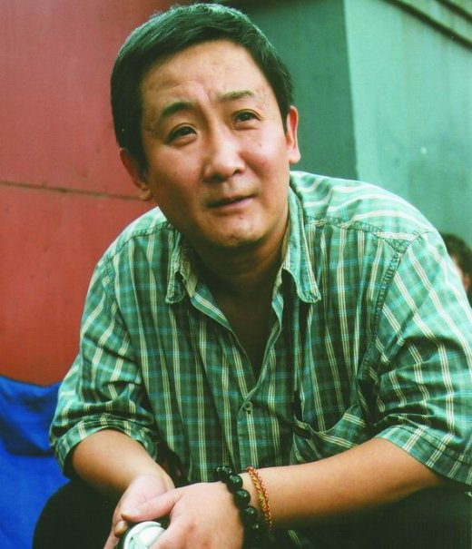 近日知名博主南唐遗少在其博客曝光一组梁天儿子的照片.图片