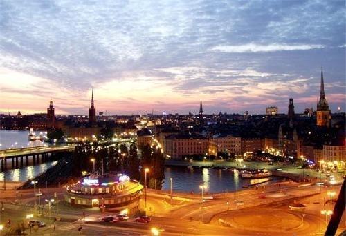 瑞典:丈夫有9个月的全薪产假,社会福利开支占GDP的38.2%。