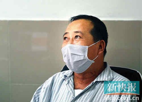 接受心脏移植的郝警官谈起重获新生,不禁眼眶湿润。新快报记者王小明/摄
