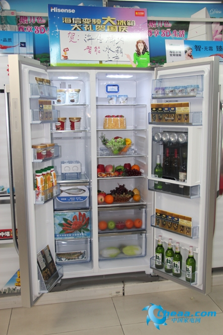 海信BCD-558WGBPET冰箱打开全貌