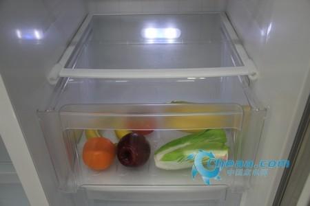美的BCD-550WKGM冰箱光合保鲜灯