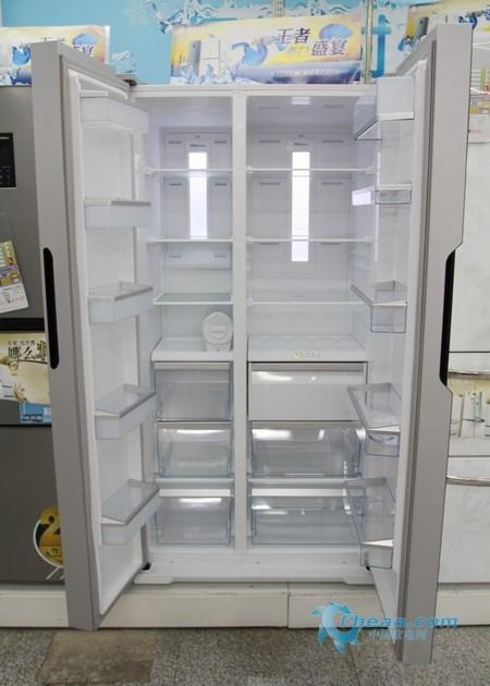美菱BCD-560WPB冰箱内部概览