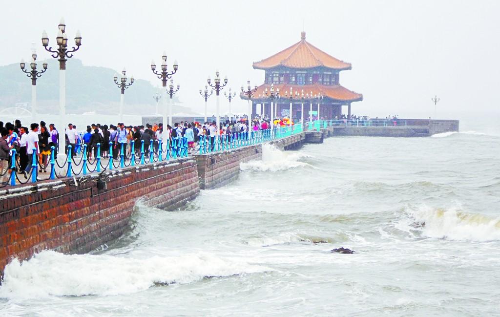 清军在前海修建的码头,即现在栈桥的雏形