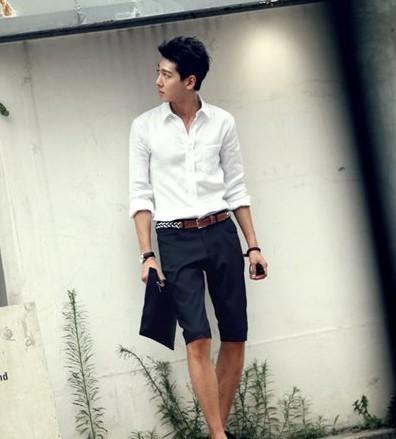 男士白衬衫搭配牛仔裤 越穿越有男人味(1)_时尚_光明网(组图)